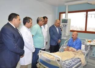 بالصور  رئيس جامعة كفر الشيخ يتفقد مرضى الحالات الحرجة لقوائم الانتظار