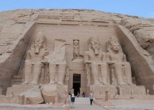 بث مباشر.. وقائع تعامد الشمس على وجه تمثال رمسيس الثاني بأبوسمبل