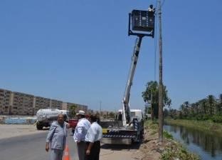 بالصور| رئيس مدينة بلطيم يتابع إحلال وتجديد الأسلاك الكهربائية