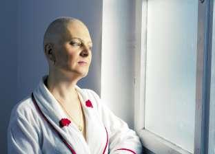 الانتفاخ وتقرحات الفم أبرز علامات السرطان عند النساء