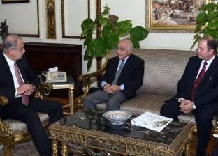 بالصور  رئيس الوزراء يلتقى فاروق الباز ورئيس شركة الريف المصري