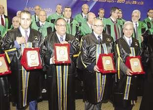 «الوزراء» يكرم 20 رئيس جامعة و40 عميد كلية انضمت إلى «منظمة الجودة العالمية»