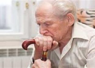دراسة تحذر كبار السن: تناول الدهون يهددكم بفقدان البصر