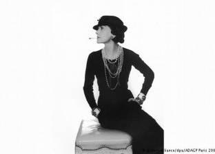 بالصور| الثوب الأسود.. تاريخ في عالم أزياء المشاهير