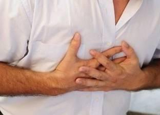 """""""شائعات مواقع التواصل"""".. رجل يموت بنوبة قلبية بسبب نصيحة على الإنترنت"""