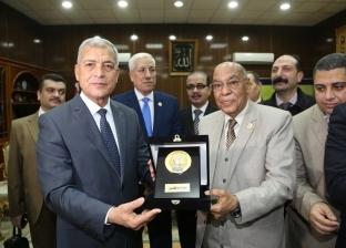 محافظ المنوفية يستقبل رئيس هيئة قضايا الدولة في مكتبه