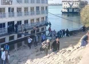 شحوط فندقين عائمين فى نيل الأقصر بسبب انخفاض منسوب المياه