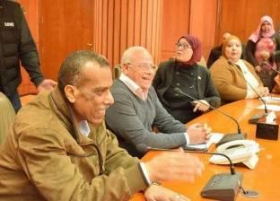 محافظ بورسعيد يناقش خطة مواجهة الأمطار مع الأجهزة المعنية