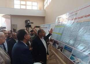 بالصور| رئيس الوزراء يستمع لشرح تفصيلي عن محطة مياه الوليدية
