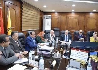 رئيس جامعة بني سويف يعلن عن منح مجانية لأطباء وزارة الصحة