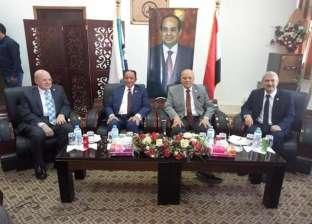بالصور| جامعة العريش تستقبل وفدا من اتحاد الجامعات العربية