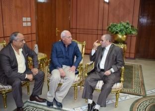 محافظ بورسعيد يبحث استعدادات بدء الدورة الثانية لمسابقة حفظ القرآن