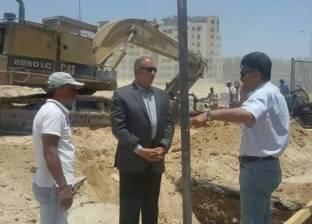محافظ البحر الأحمر يتابع الأعمال الإنشائية بمحطة الصرف الصحي (د)