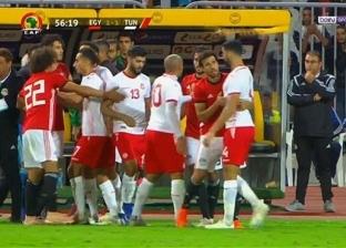 """أحمد موسى: """"بقى عندنا منتخب واقف على رجليه.. وبيلعب كورة"""""""