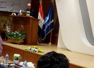 """""""مميش"""": الرئيس السيسي في سباق مع الزمن لبناء مصر والنهوض بها"""
