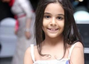 """إسعاد يونس تغني """"سينما الأطفال"""" مع الطفلة نور عثمان"""