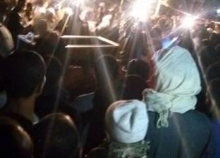 """أهالي صان الحجر بالشرقية يشيعون جثمان أحد شهداء """"الأمن المركزي"""" بالعريش"""