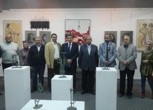 """رئيس جامعة المنيا يفتتح معرض """"سوق الفنون"""" للمبدعين بـ""""الفنون الجميلة"""""""