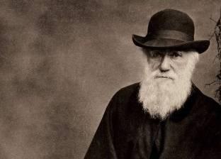 """رغم تعارض نظريته مع الأديان السماوية.. """"داروين"""" لم يكن ملحدا"""