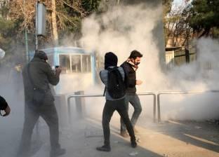 متظاهر إيراني يقتل شرطيا ويصيب 3 من زملائه
