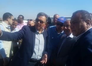 وزير النقل يتفقد مشروع كوبري كلابشة في أسوان