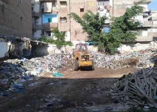 حي وسط بالإسكندرية يشن حملة مكبرة لرفع مستوى النظافة