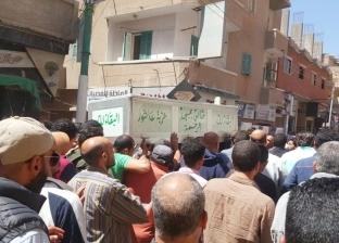الفيشاوي وبيومي وزكي والسقا يشاركون في تشييع جثمان محمود الجندي