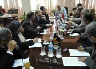 بالصور| رئيس مصلحة الري يعقد اجتماعا مع رؤساء القطاعات