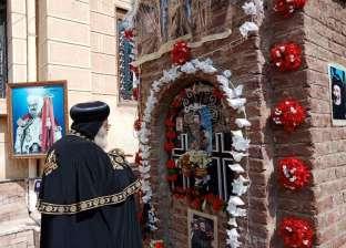 وصول البابا تواضروس إلى دميانة بشكل مفاجئ لزيارة قبر الأنبا بيشوي