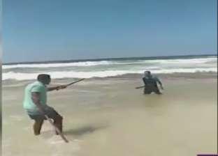 """""""وكيل وزارة السياحة"""": أخرجنا قاتل النقاش بعيدا عن الشاطئ خوفا عليه"""