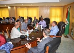 سعد يوجه بعلاج مرضى على نفقة الدولة في لقائه الأسبوعي مع المواطنين