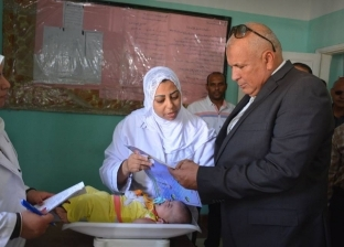 محافظ الوادي الجديد يتفقد مكتب الصحة ومنافذ بيع القوات المسلحة