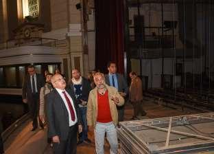 بالصور| الخشت يتفقد أعمال تطوير قاعة الاحتفالات الكبرى بجامعة القاهرة