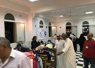 بالصور| رئيس مدينة دهب يفتتح المعرض الخيري للملابس