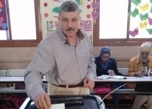 """أمين """"القومي للشهداء"""" يدلي بصوته في الاستفتاء بـالهرم"""