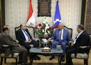 """محافظ السويس يبحث تنفيذ التحول الرقمي للمحافظة مع """"المصرية للاتصالات"""""""