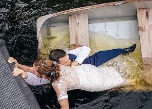 لحظات كارثية في حفلات الزفاف.. عريس بنطلونه اتقطع أمام المعازيم (صور)