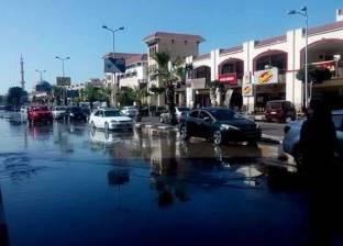 كثافات مرورية في مصر الجديدة إثر كسر ماسورة مياه