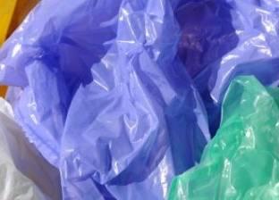 طالبة أمريكية تكتشف بكتيريا تحول البلاستيك لمواد غير ضارة بالبيئة