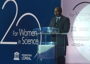 """""""صقر"""": المرأة تمثل 53.8% من منظومة البحث العلمي في مصر"""