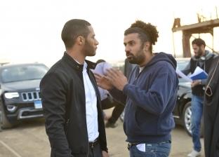 """محمد سامي مدافعا عن """"رمضان"""": """"مخترعش المطواة ولا أول واحد يقلع ملابسه"""""""