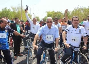 صور.. انطلاق ماراثون سباق الدراجات في جامعة جنوب الوادي