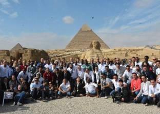 أعضاء الجمعية العمومية للاعبين المحترفين الدوليين في زيارة للأهرامات