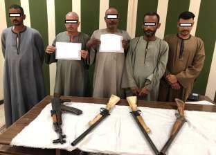 ضبط أسلحة نارية بدون ترخيص وهاربين من أحكام في حملة أمنية بأسيوط