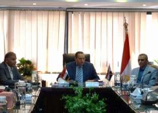 رئيس هيئة الصرف يناقش آليات تنفيذ مشروعات الهيئة القادمة