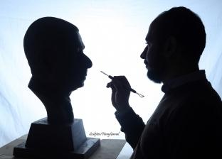 """من فوزي للنقشبندي ويعقوب.. """"هاني"""" يجسد قامات مصر في تماثيل من البرونز"""