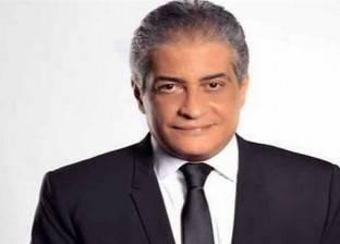 """أسامة كمال ممازحا رئيس """"إسكان البرلمان"""": """"شكلك سارق الكهربا"""""""