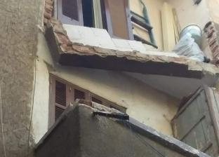بالصور| انهيار شرفة عقار في الإسكندرية دون إصابات
