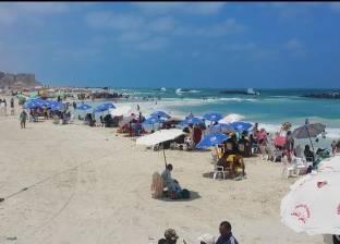 """مدير """"6 أكتوبر"""" بالإسكندرية: شاطئ النخيل يستقبل ميلون زائر يوم الجمعة"""