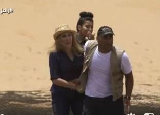 """رامز جلال ساخرا من حذاء نادية الجندي: """"لابسة كوتشي من جسر السويس"""""""
